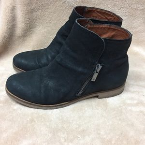 Lucky Brand Galvan black ankle booties moto